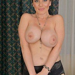 Frauen Mit Dicken Brüsten